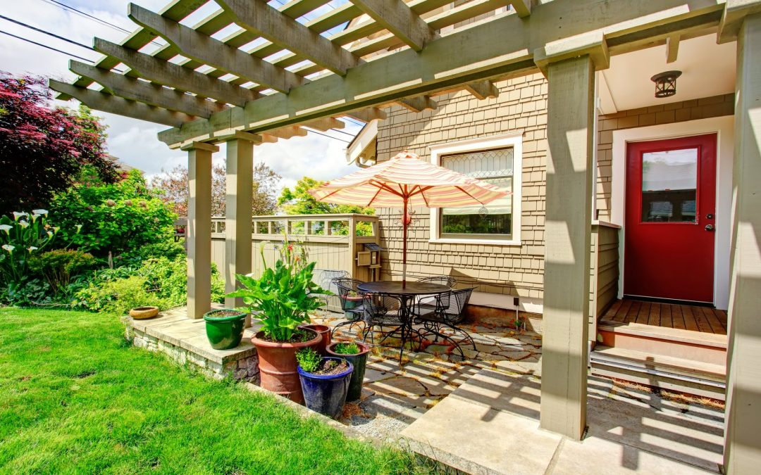 7 Spring Cleaning Tips for a Pest-Free Backyard